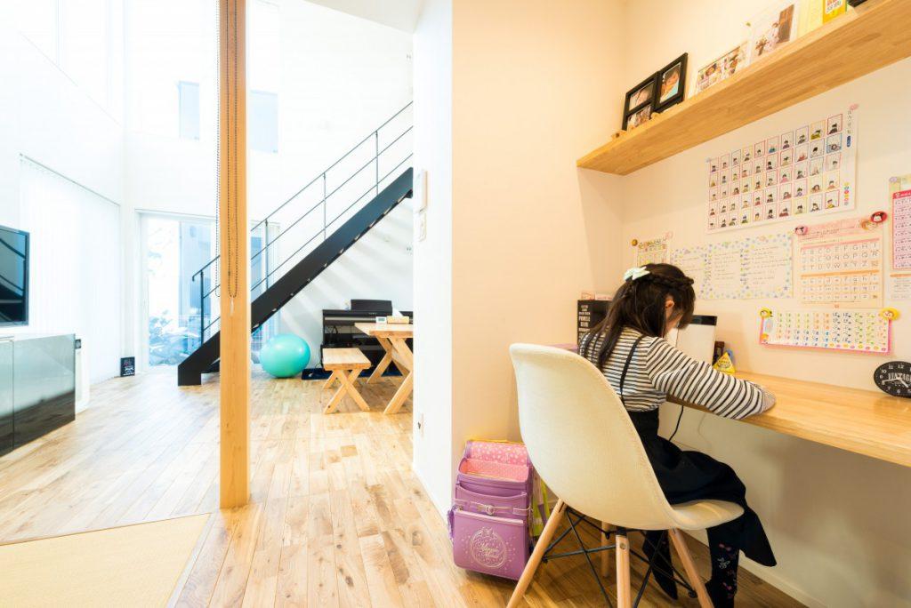 男の趣味が詰まった書斎スペースのある家イメージ4